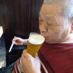 ビールで乾杯こうさん
