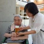 娘様とご一緒にビールをいただきます