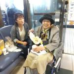 名古屋駅ホームにて、出発前に腹ごしらえ